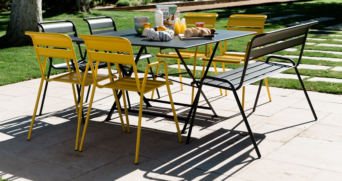 fermob cargo tafel 128x128 cm. Black Bedroom Furniture Sets. Home Design Ideas